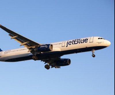JetBlue begins charging for all checked baggage