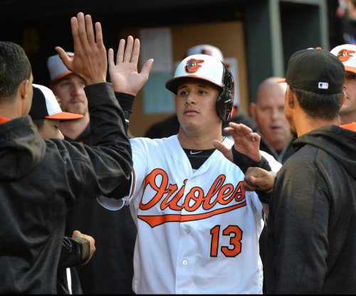 Manny Machado, Mark Trumbo lead Baltimore Orioles past Cleveland Indians