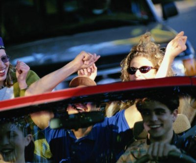 Tighten teens' nighttime driving restrictions: CDC