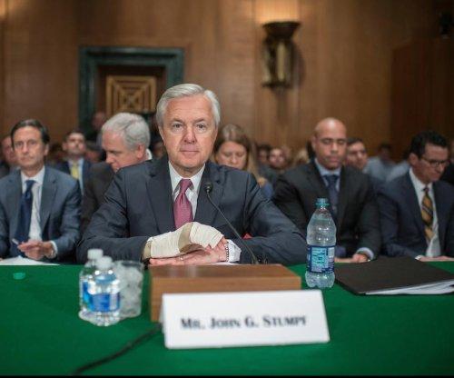 Wells Fargo CEO John Stumpf apologizes for sales practices