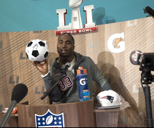 New England Patriots expected to keep Dion Lewis