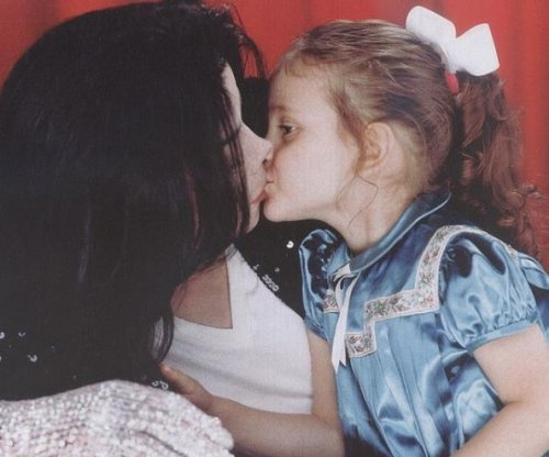 Paris Jackson sends 'birthday wishes' to late dad Michael