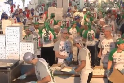 Argentina chefs cook 11,287 pizzas in 12 hours