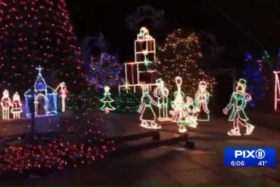 City threatens $50,000 fine for extravagant Christmas light show
