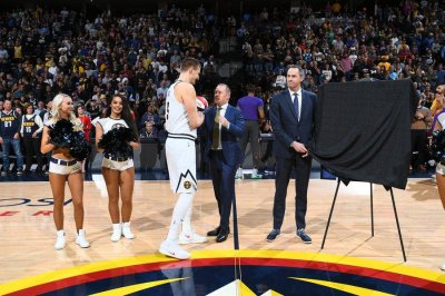 Bulls hiring Nuggets' Arturas Karnisovas to lead basketball operations