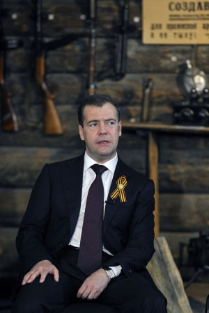 Medvedev will meet with head of NATO
