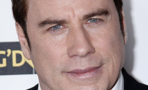 Travolta flies supplies to Haiti