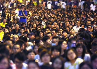 Hong Kong's High Court issues injunctions to disperse protesters