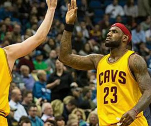 LeBron directs Cleveland Cavaliers to Windy City