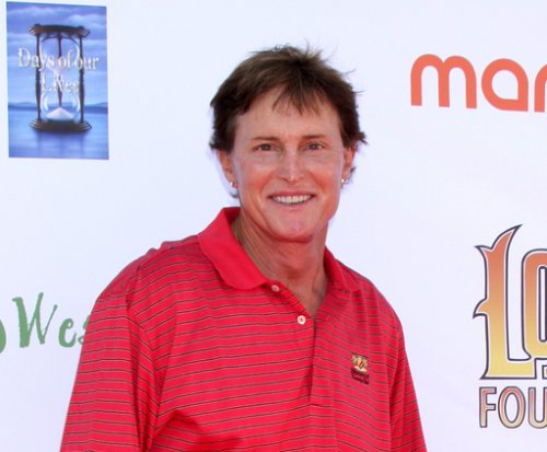 Bruce Jenner talking on the phone while driving after car crash