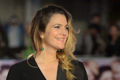 Drew Barrymore discusses reconciling with her father, lying to Steven Spielberg