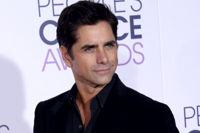 John Stamos shares heartwarming throwback video featuring Mary-Kate and Ashley Olsen