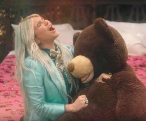 Kesha reflects on her past in music video for 'Learn to Let Go'