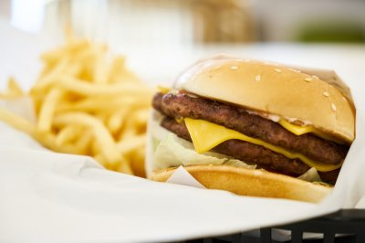 Even one high-fat meal can slow mental performance