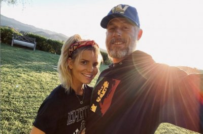 Jessica Simpson celebrates 10th anniversary with Eric Johnson: 'He is mine, I am his'