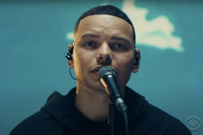 Kane Brown performs 'Worship You' on 'The Late Late Show'