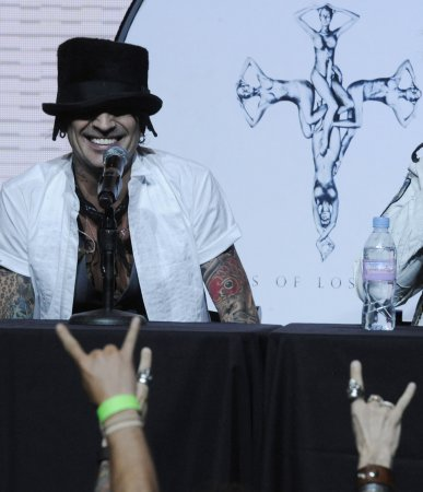 Tommy Lee: Pamela and I are back together