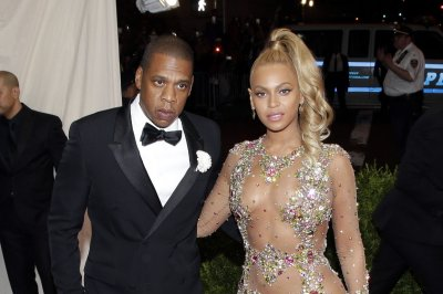 Jay Z and Beyoncé spotted on vacation in Italy