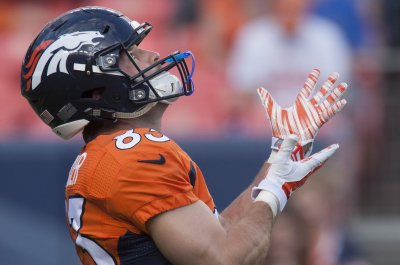 New York Giants work out Wes Welker, Chris Cooley