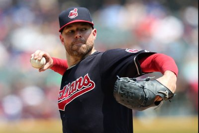 Cleveland Indians do it again, club Chicago White Sox for 15th straight win