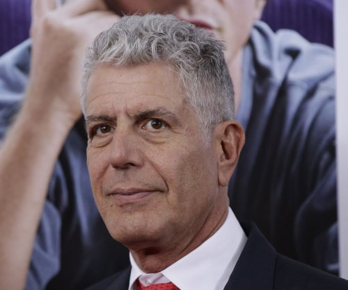 Barack Obama, Leslie Jones mourn death of Anthony Bourdain