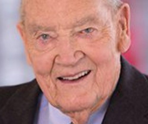 Investment pioneer Jack Bogle dies of cancer at 89