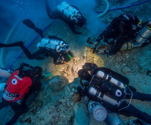 Skeleton recovered from ancient Greek shipwreck