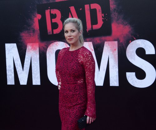 Christina Applegate to star in, executive produce Netflix series 'Dead to Me'
