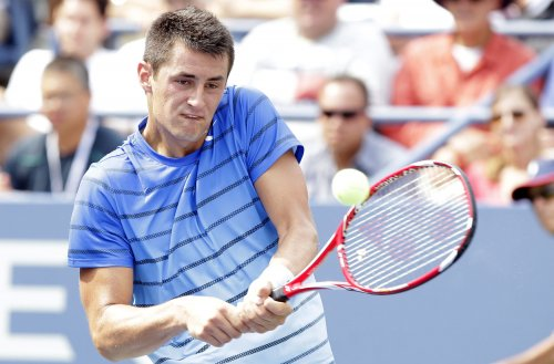 Tomic begins Apia title defense with win