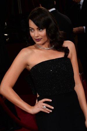 Margot Robbie, Hugh Jackman honored at Empire Awards
