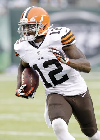 Browns set to welcome Josh Gordon back, face Falcons