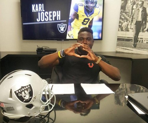 Oakland Raiders sign first-rounder Karl Joseph