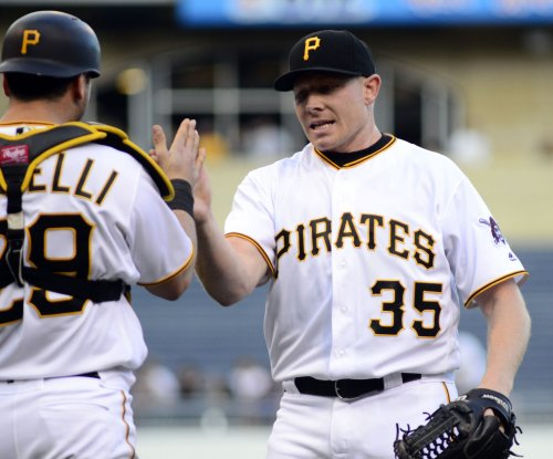 Washington Nationals acquire closer Mark Melancon from Pittsburgh Pirates