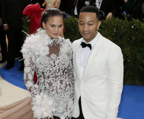 Chrissy Teigen skips Billboard Music Awards for 'Magic Mike Live'