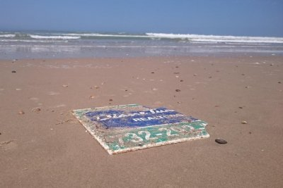 New Jersey sign lost in Hurricane Sandy turns up on French beach