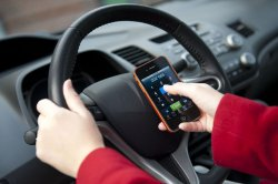 States that ban drivers' cellphone use see drop in accident deaths, study finds