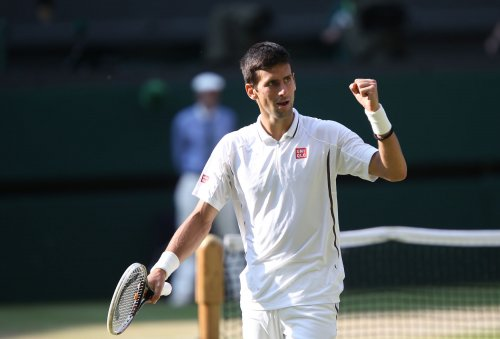 Djokovic doesn't miss a beat, advances at Rogers Cup