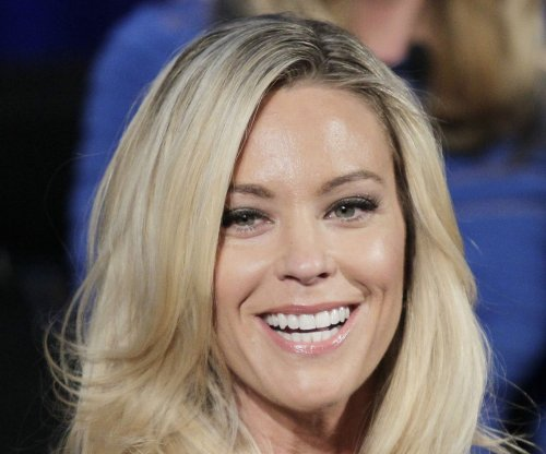 Kate Gosselin, millionaire Jeff Prescott cozy up on date