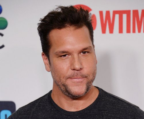 Dane Cook dismisses Miley Cyrus dating rumors