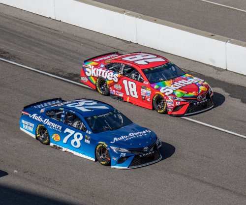 2017 First Data 500 results: Kyle Busch wins at Martinsville, secures spot in final four