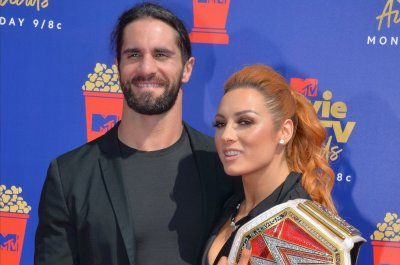 WWE Raw: Seth Rollins and Becky Lynch team up, get ambushed