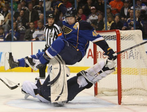 NHL: Nashville 3, St. Louis 2