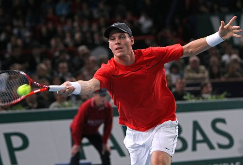Berdych stuns Djokovic in Rome quarterfinals