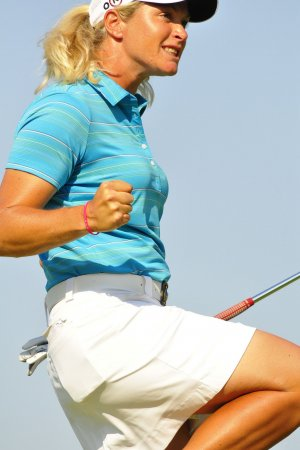 Pettersen hangs on for 1-shot Ochoa lead