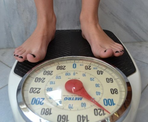 Heavier women may have higher risk for cancer, study says