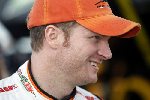 Earnhardt to miss races due to concussion