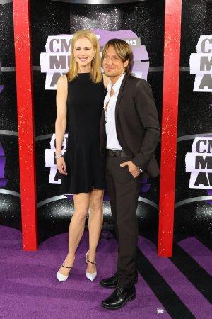 Keith Urban dedicates song to Nicole Kidman in romantic wedding anniversary gesture
