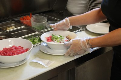 California repeals law requiring food handlers to wear plastic gloves