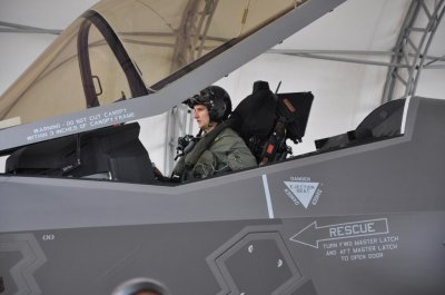 & New process for making F-35 canopies nets award - UPI.com
