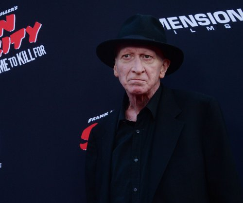 Frank Miller working on new 'Dark Knight' comic series